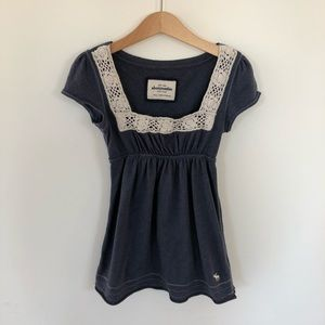 5/$30 Abercrombie & Fitch size small blue boho top